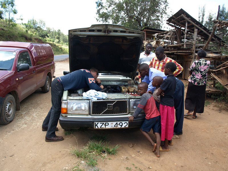 Chris and I got to rescue our friend Svante on our way to Meru.