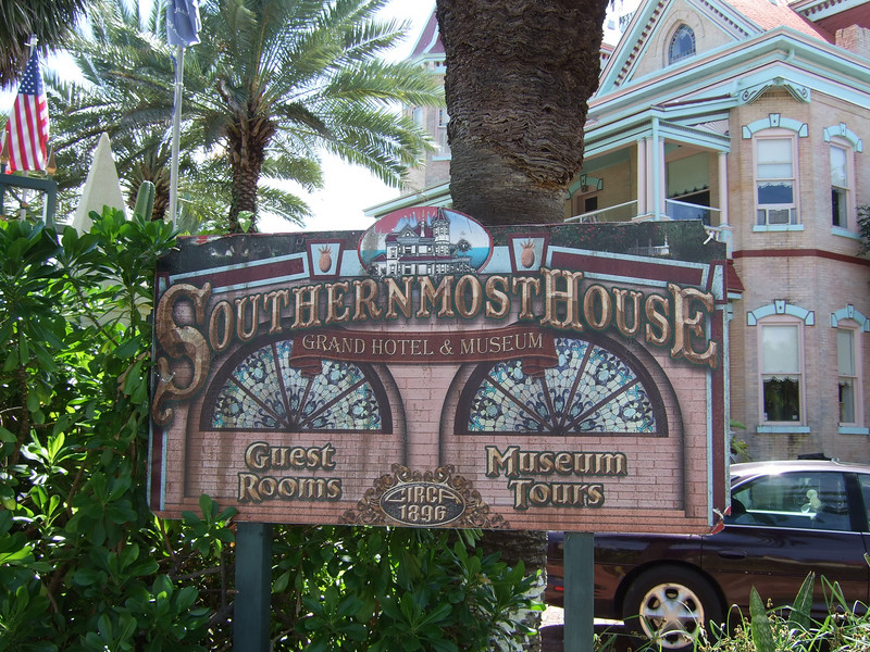 The house that is southernmost. (It, too, offers rooms, but it's not the southernmost guest house.)