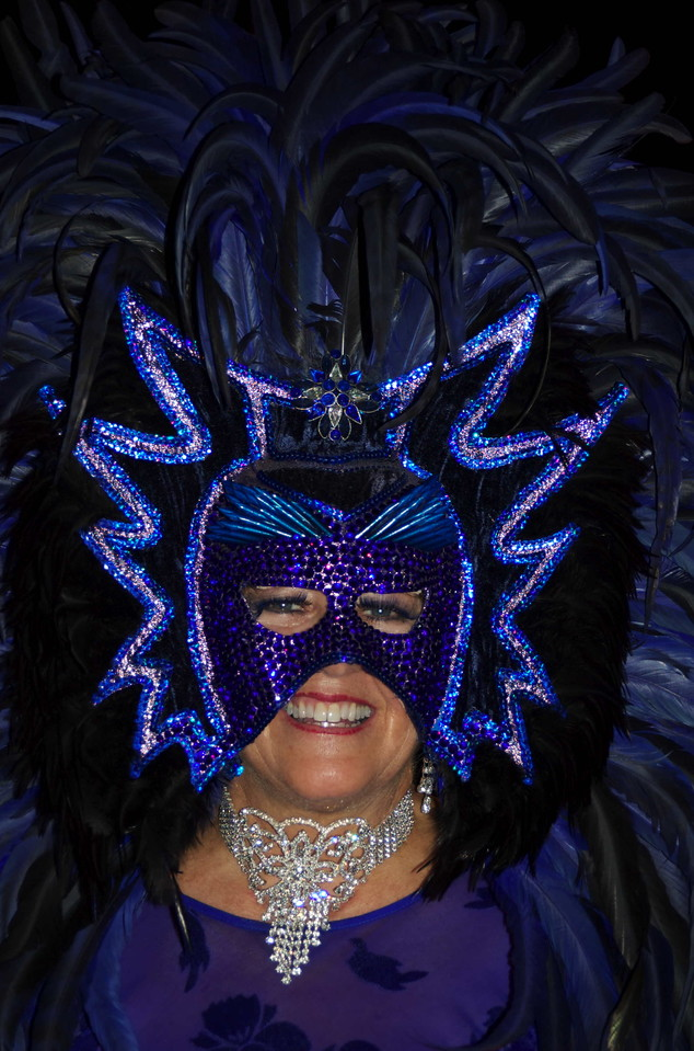 Absolutely fabulous headdress and smile.