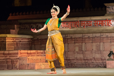 Shagun Butani is a leading exponent of Odissi and Seraikella Chhau. She has trained in Odissi under masters like Smt. Aloka Panikar and the late Guru Gangadhar Pradhan and in Seraikella Chhau from the late Guru Lingaraj Acharya and Guru Shashadhar Acharya.   Khajuraho Dance Festival 21st Feb'17. Colorful and brilliant classical dance forms of India with roots in the rich cultural traditions offer a feast for the eyes during a weeklong extravaganza. Khajuraho Temples in Madhya Pradesh are popular for their architectural wonders and sculptures.