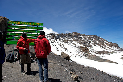 Day 7. Lemosho route on the way to Uhuru peak (5895m). Here we reached Stella Point (5739m) on the edge of the crater and Uhuru peak is on top of the ridge, still 45min to go.