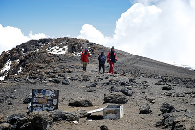 Day 7. Uhuru peak (5895m). Ralph also makes it by himself.