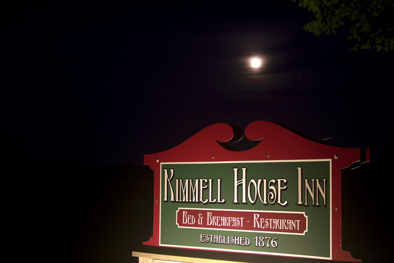 "Night Time Road Sign<br />  <a href=""http://www.kimmellhouseinn.com"">http://www.kimmellhouseinn.com</a>"