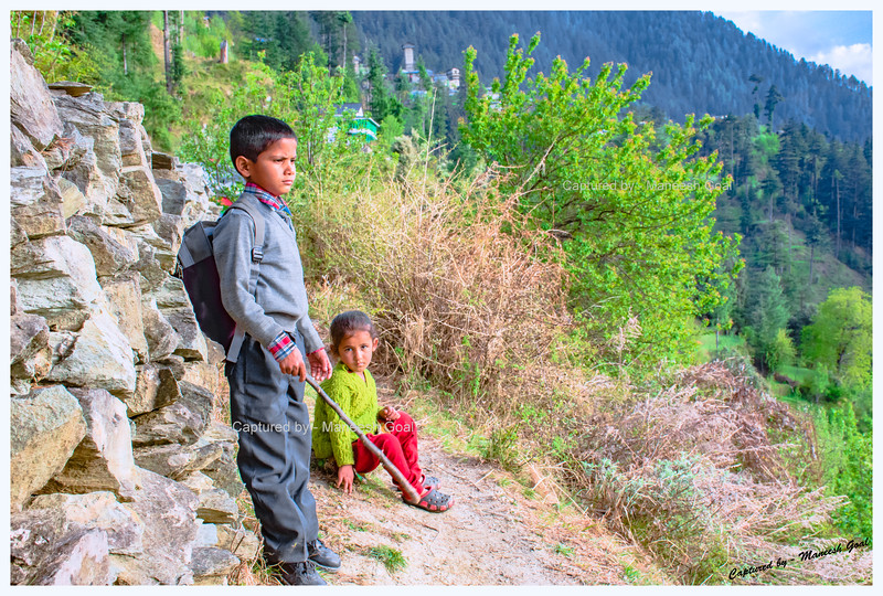 Kids on their way home from school. Trail to Chehni Kothi