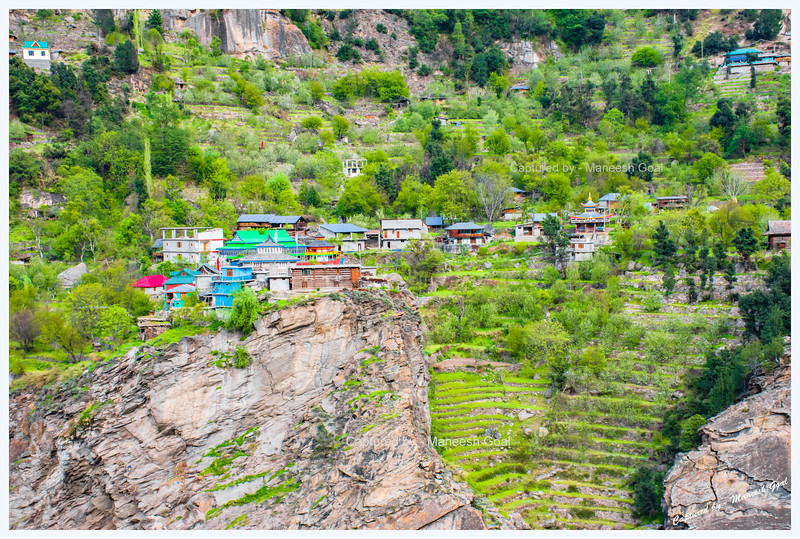 Powari, a pretty village, with traditional Himachali houses, located on the precipice overlooking Sutlej river
