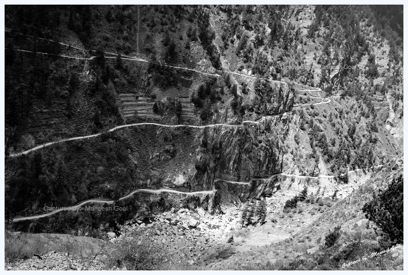 Incisions in the mountain. Roads near Sangla.