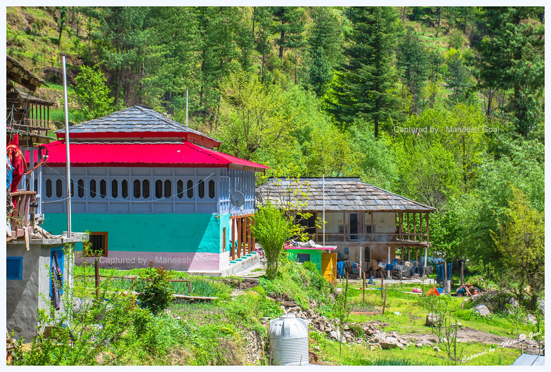 Traditional Himachali house near Batahad (Bathad)