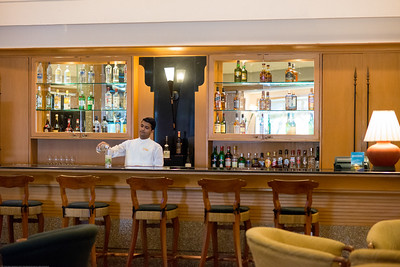 Bar at the Trident Hotel Cochin (ട്രൈഡെൻറ് ഹോട്ടല്‍ കൊച്ചിന്‍), Willingdon Island, Kochi, Kerala. Built in 1567, located on Willingdon Island and set in a courtyard with landscaped gardens, this bright hotel in a tropical-style building is 6 km from the shops at Mahatma Gandhi Road and 2.6 km from the Paradesi Synagogue.
