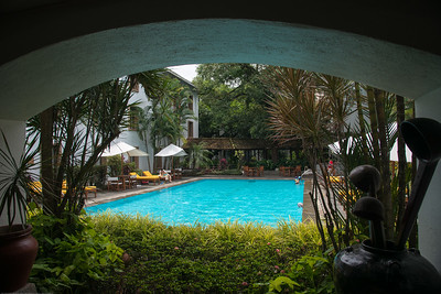 View of the pool area at the Trident Hotel Cochin (ട്രൈഡെൻറ് ഹോട്ടല്‍ കൊച്ചിന്‍). Built in 1567, located on Willingdon Island and set in a courtyard with landscaped gardens, this bright hotel in a tropical-style building is 6 km from the shops at Mahatma Gandhi Road and 2.6 km from the Paradesi Synagogue. Willingdon Island, Kochi, Kerala.