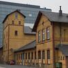 Alte Backsteinhäuser und Kranhäuser