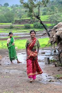 Very basic rural living conditions in this maharashtrian village enroute to Chinmaya Vibhooti, Kolwan, Maharashtra (MH), India