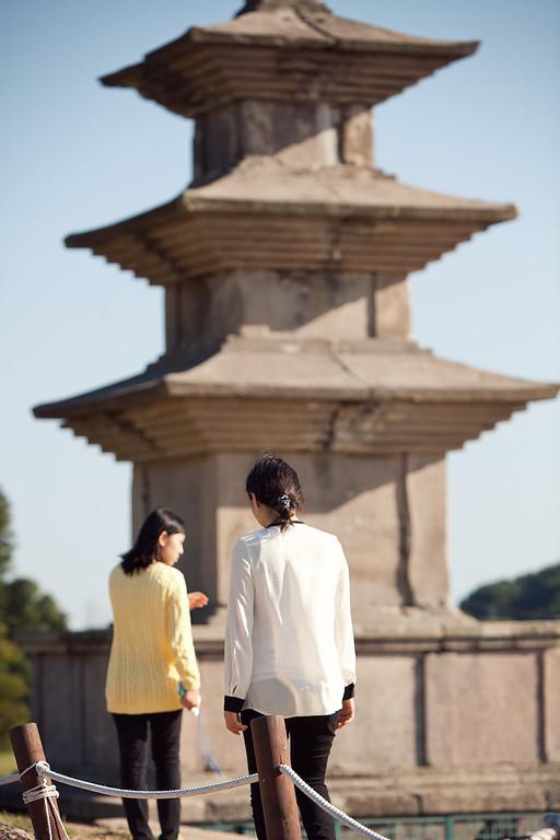 People around the pagodas.