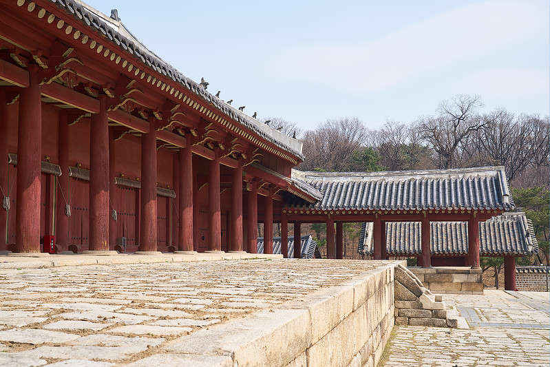 The main hall at Jongmyo, the Confucian shrine for kings and queens of the Joseon Dynasty.