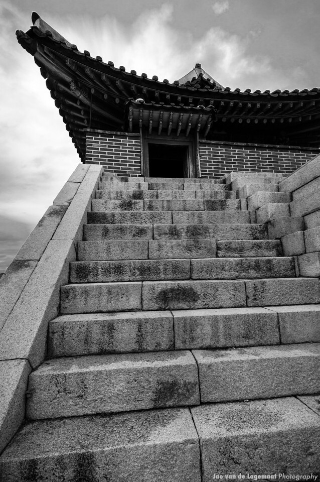 Entry . Read more: http://lagemaat.blogspot.com/2012/08/suwon-korea-during-typhoon.html