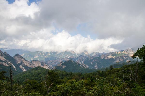 Looking at the peaks of Seoraksan (Mt. Seorak)