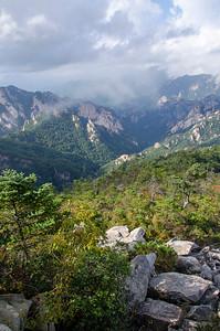 Autumn is a great time to visit Seoraksan National Park