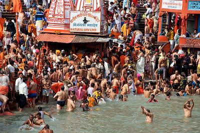 Har Ki Pauri gath during the first royal bath, or Pratham Shahi Snan. Kumbh Mela 2010, Haridwar.