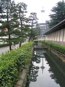15 - Higashi-Honganji Temple moat