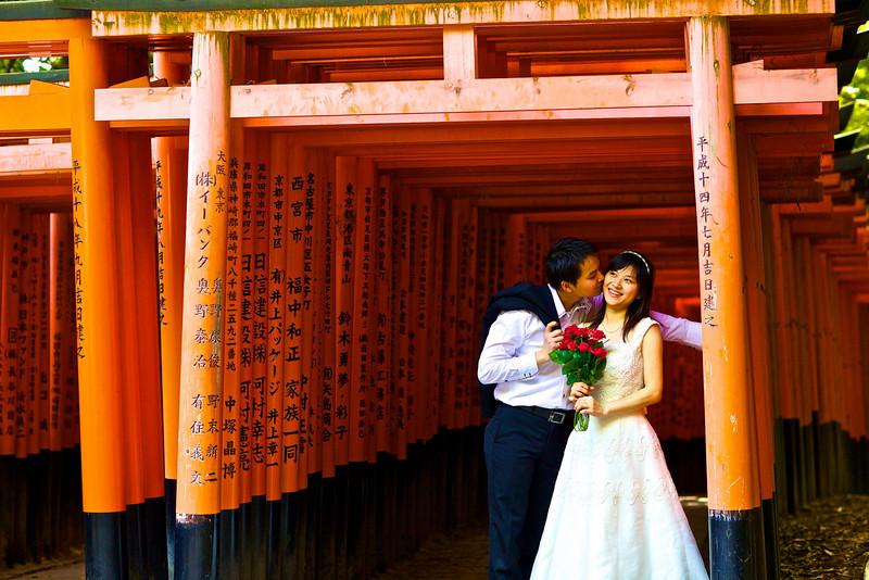 Newlyweds, Torii Gates, Kyoto