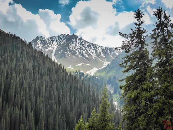 mountains 2 valley Altyn Arashan Kyrgyzstan
