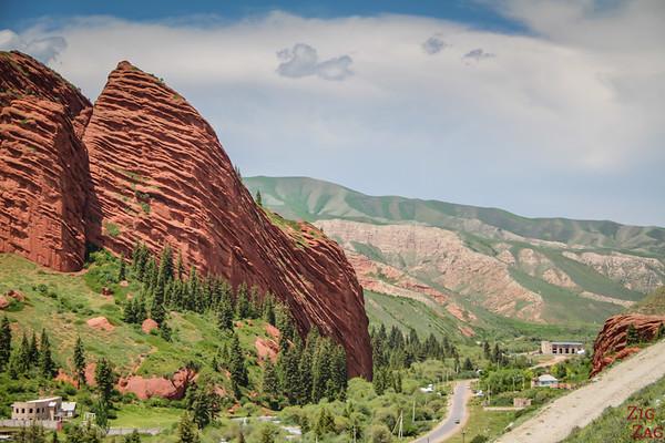 road leading to Jeti-Oguz, Kyrgyzstan