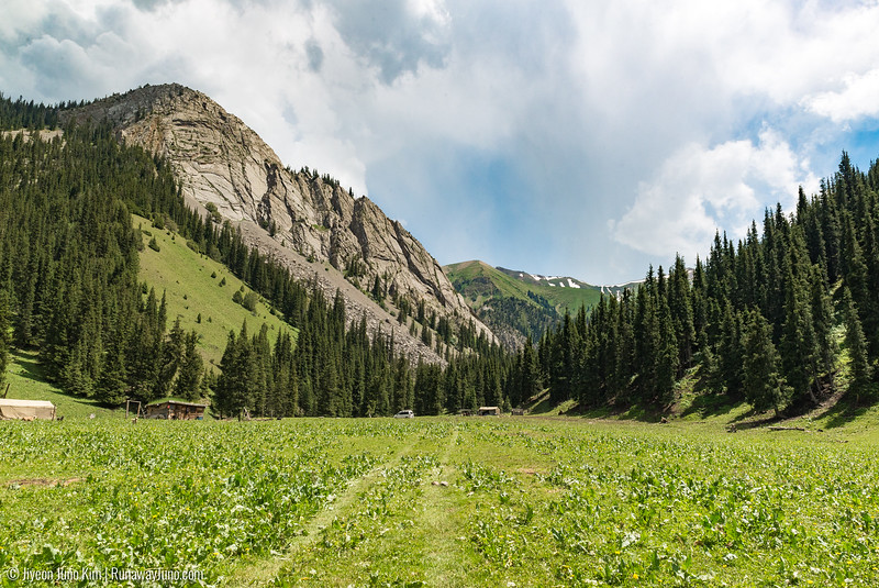 Alpine landscape in Jumgal