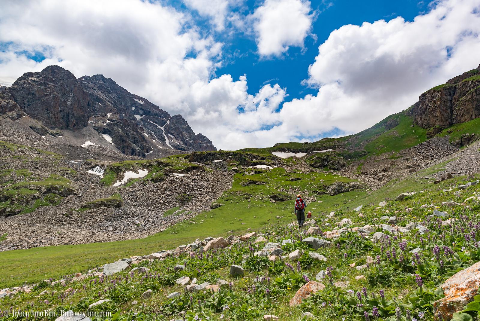 Hiking to Kol-Dor