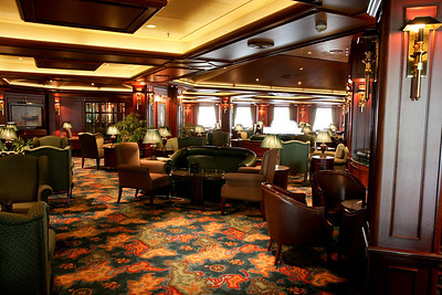 Wheelhouse Lounge on Sapphire Princess