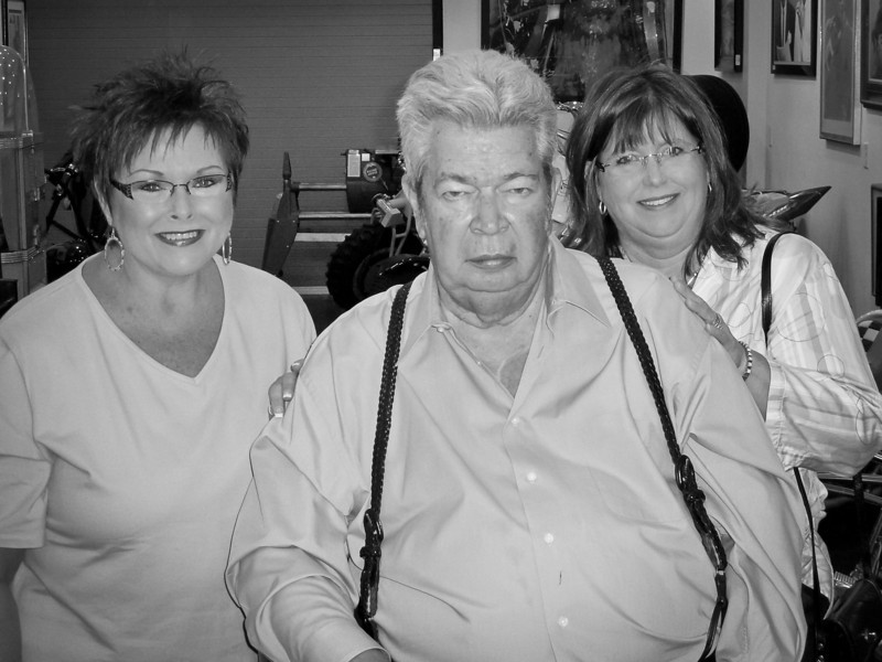 "CHERYL AND AMANDA WITH THE ""OLD MAN"" OF PAWN STARS"