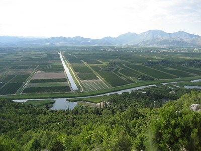 North of Dubrovnik, you enter this big plain with an incredible amount of fruit trees.