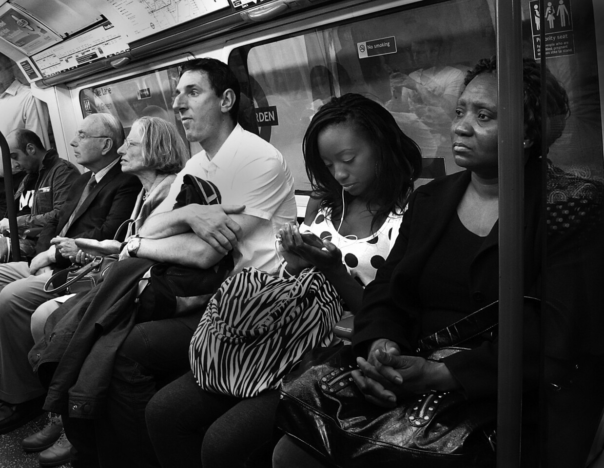 LONDON UNDERGROUND-1BW