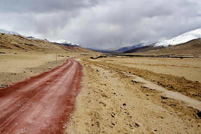 Taken at Latitude/Longitude:33.361658/78.831507. 5.29 km North Gandpa Gömpa Kashmir India  (Map link)