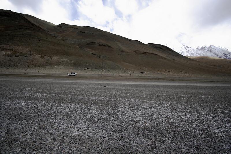 "Taken at Latitude/Longitude:33.849725/78.544097. 4.16 km North Man Kashmir India <a href=""http://www.geonames.org/maps/google_33.849725_78.544097.html""> (Map link)</a>"