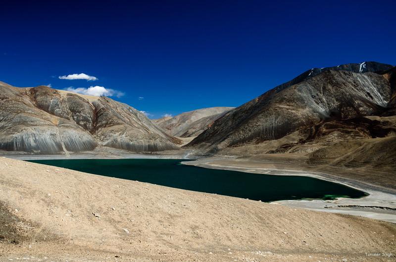 "Taken at Latitude/Longitude:33.461253/78.591610. 16.18 km South Chushul Kashmir India <a href=""http://www.geonames.org/maps/google_33.461253_78.591610.html""> (Map link)</a>"