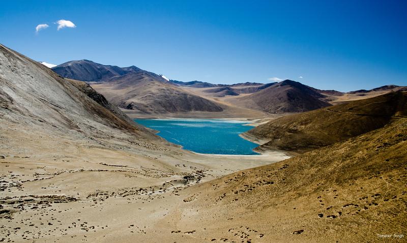 "Taken at Latitude/Longitude:33.486137/78.620493. 12.82 km South Chushul Kashmir India <a href=""http://www.geonames.org/maps/google_33.486137_78.620493.html""> (Map link)</a>"