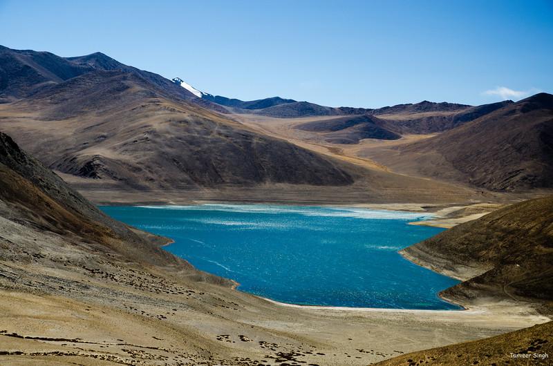 "Taken at Latitude/Longitude:33.486207/78.620328. 12.81 km South Chushul Kashmir India <a href=""http://www.geonames.org/maps/google_33.486207_78.620328.html""> (Map link)</a>"