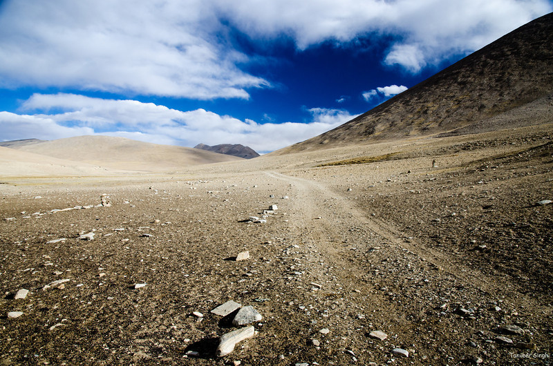 "Taken at Latitude/Longitude:32.909634/78.674308. 26.97 km North-West Pngk Kashmir India <a href=""http://www.geonames.org/maps/google_32.909634_78.674308.html""> (Map link)</a>"