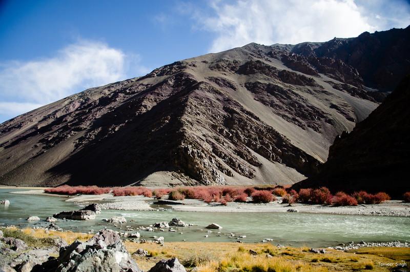 "Taken at Latitude/Longitude:33.269082/78.469665. 2.95 km West Mahe Kashmir India <a href=""http://www.geonames.org/maps/google_33.269082_78.469665.html""> (Map link)</a>"