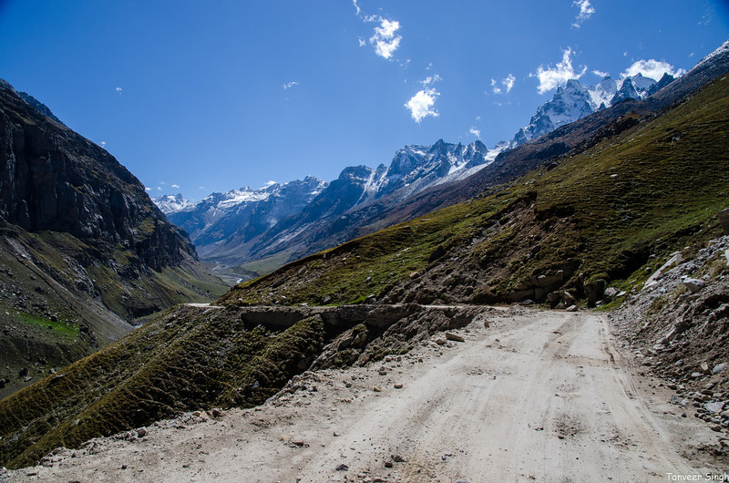 "Taken at Latitude/Longitude:32.348737/77.324817. 8.88 km North-East Chhika Himachal Pradesh India <a href=""http://www.geonames.org/maps/google_32.348737_77.324817.html""> (Map link)</a>"