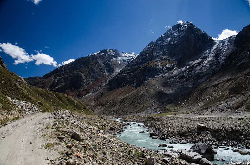 "Taken at Latitude/Longitude:32.307470/77.391582. 4.83 km West Jilang Himachal Pradesh India <a href=""http://www.geonames.org/maps/google_32.307470_77.391582.html""> (Map link)</a>"