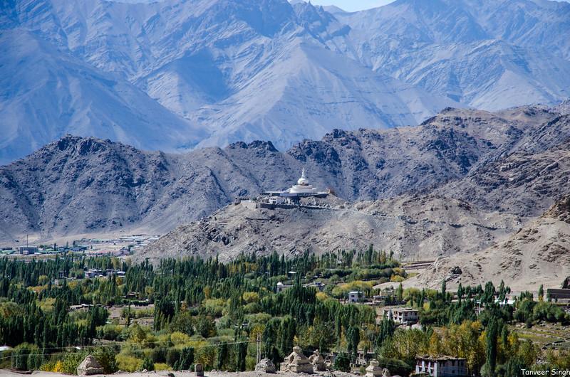 "Taken at Latitude/Longitude:34.187540/77.595638. 2.72 km North-East Leh Kashmir India <a href=""http://www.geonames.org/maps/google_34.187540_77.595638.html""> (Map link)</a>"