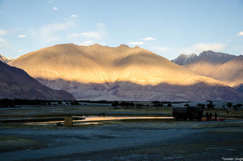 "Taken at Latitude/Longitude:34.570112/77.492383. 2.64 km South-East Hundar Kashmir India <a href=""http://www.geonames.org/maps/google_34.570112_77.492383.html""> (Map link)</a>"