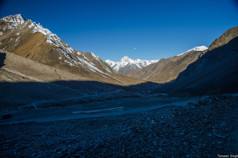 "Taken at Latitude/Longitude:32.784280/77.358342. 18.27 km North-East Dārcha Himachal Pradesh India <a href=""http://www.geonames.org/maps/google_32.784280_77.358342.html""> (Map link)</a>"