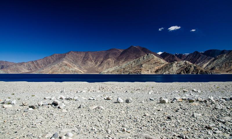 "Taken at Latitude/Longitude:33.763560/78.627915. 2.75 km South-East Kakstet Kashmir India <a href=""http://www.geonames.org/maps/google_33.763560_78.627915.html""> (Map link)</a>"