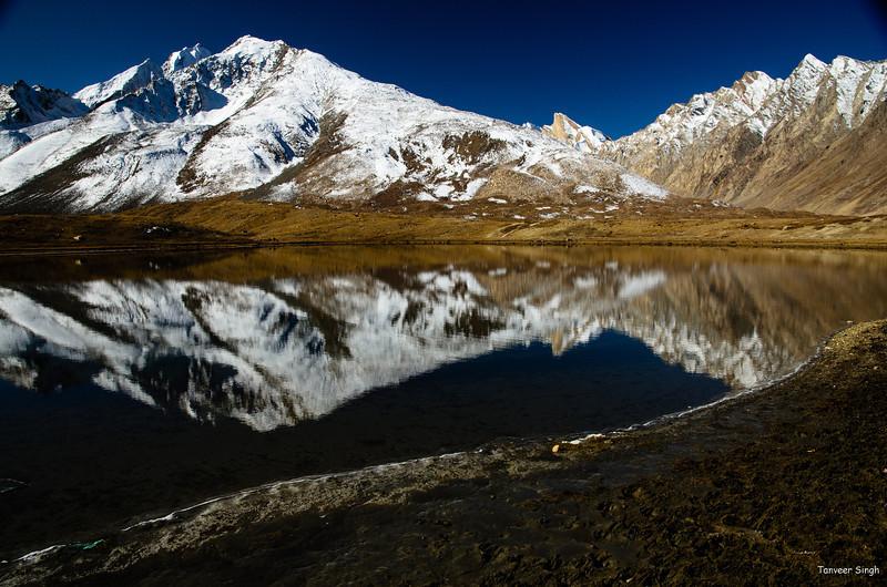 "Taken at Latitude/Longitude:33.868180/76.354723. 18.90 km South Ringdom Gmpa Kashmir India <a href=""http://www.geonames.org/maps/google_33.868180_76.354723.html""> (Map link)</a>"