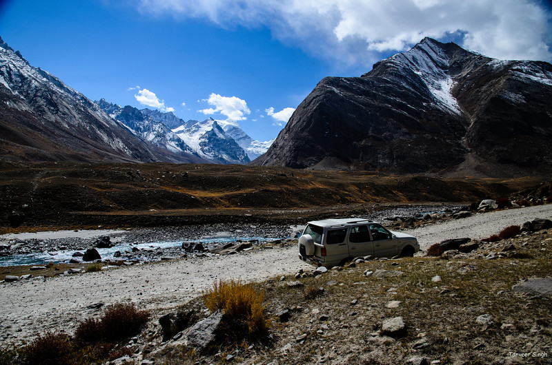 "Taken at Latitude/Longitude:34.062378/76.192562. 3.24 km East Gulmatngo Kashmir India <a href=""http://www.geonames.org/maps/google_34.062378_76.192562.html""> (Map link)</a>"