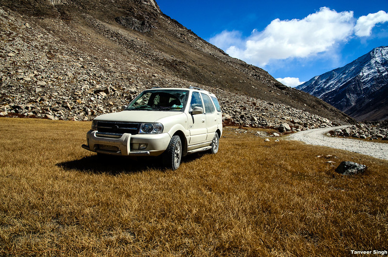 "Taken at Latitude/Longitude:34.053135/76.214708. 5.50 km East Gulmatngo Kashmir India <a href=""http://www.geonames.org/maps/google_34.053135_76.214708.html""> (Map link)</a>"