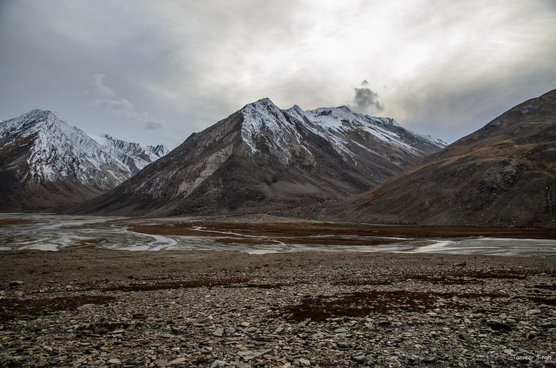 "Taken at Latitude/Longitude:33.945393/76.316170. 11.57 km South-West Ringdom Gmpa Kashmir India <a href=""http://www.geonames.org/maps/google_33.945393_76.316170.html""> (Map link)</a>"