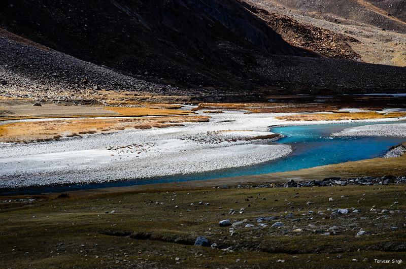 "Taken at Latitude/Longitude:34.068028/76.169538. 1.03 km East Gulmatngo Kashmir India <a href=""http://www.geonames.org/maps/google_34.068028_76.169538.html""> (Map link)</a>"