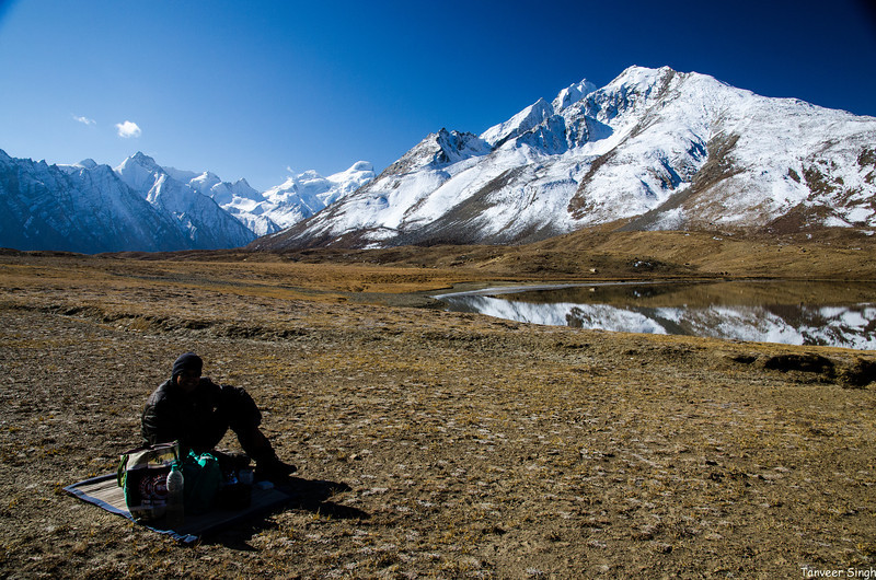 What better place to hold a picnic than a high mountain pass? The Pensi La